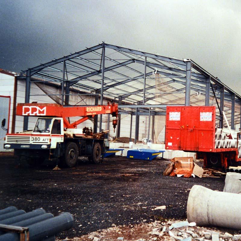 Démarrage de l'activité logistique avec l'acquisition d'un entrepôt de 2500m²